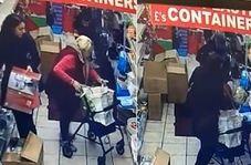 عمل غیراخلاقی زن جوان با زن سالخورده در فروشگاه!