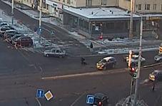 عبور از خیابان با حرکت نمایشی کار دست عابر پیاده داد