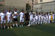 رقابت صمیمانه پیشکسوتان تیم فوتبال استقلال با کودکان کار