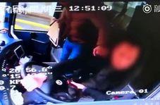 اقدام باورنکردنی مسافر در داخل اتوبوس