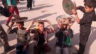 کودکان عراقی پذیرای زائران اربعین!