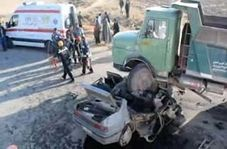 له شدن پژو آر دی زیر چرخهای کامیون با سه کشته در نیشابور