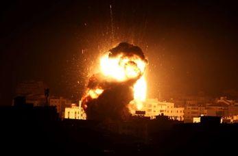 لحظه بمباران عراق توسط جنگندههای آمریکایی+فیلم