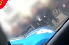 نزاع دسته جمعی دانش آموزان در خیابان!