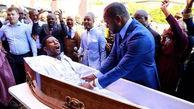 شوآف یک کشیش در زنده کردن مرده درون تابوت!