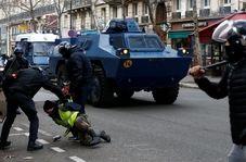 رفتار خشونت آمیز پلیس فرانسه با زن معترض او را تا مرز خفگی پیش برد