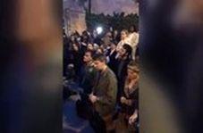 دعای مسیحیان پاریس برای کلیسایی که در آتش میسوزد
