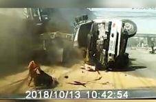 برخورد وحشتناک دو کامیون و مصدومیت شدید یک راننده، ارمغان سرعت غیرمجاز!