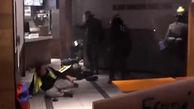 کتک زدن معترضان فرانسوی در یک رستوران به دست ماموران پلیس