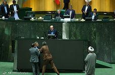 دعوای لفظی دو نماینده در صحن مجلس با الفاظ رکیک!