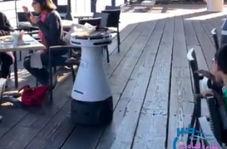 عملکرد حرفهای و جذابِ ربات گارسون!