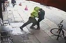شگرد وحشتناک مرد بیخانمان برای سرقت از عابر پیاده