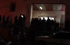 حضور مردم مقابل بیمارستان اشنویه محل درگذشت سیامند رحمان