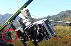 لحظه فرار راننده در حادثه سقوط جرثقیل!