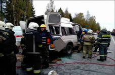 تصادف اتوبوس با ون با ۱۲ کشته