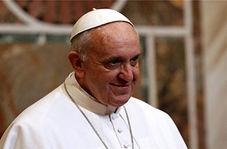 کودکی که مراسم مذهبی پاپ را بهم ریخت + فیلم