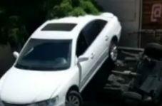 تصادف عجیب در تهران که سوژه کاربران فضای مجازی شد!