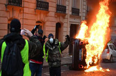 شدت گرفتن اعتراضات مردم فرانسه+ فیلم
