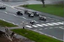 اقدام تحسین برانگیز یک موتورسوار در خیابان