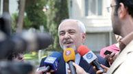 واکنش ظریف به شایعه استعفایش در حیاط دولت