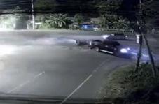 اقدام وحشیانه راننده وانت پس از تصادف با موتورسیکلت