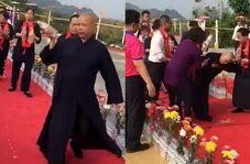 بدحال شدن راهب بودایی حین مراسم عجیب تطهیر معبد!