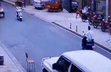 فرار معجزه آسای موتورسوار از مرگ