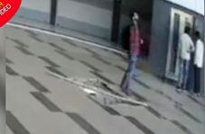 لحظه سقوط مرد جوان مقابل آسانسور فروشگاه!