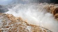 طغیان وحشتناک آب در رودخانه ای در چین + فیلم