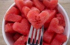 طرز تهیه لقمه هندوانه ژلهای مخصوص شب یلدا