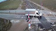 لحظه برخورد قطار با کامیونت در ترکیه + فیلم