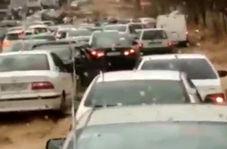 فیلم تازه منتشر شده و تکاندهنده از لحظه وقوع سیل از داخل خودرو شیراز