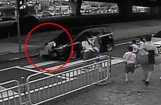 لحظه تصادف دانش آموز کم سن و سال با خودرو!