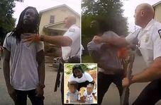 ضرب و شتم وحشیانه مرد سیاه پوست آمریکایی مقابل فرزندان خردسالش!