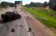 تصادف مرگبار خودروی سواری با یک دستگاه کامیون + فیلم