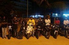 اقدام خطرناک جوانان موتورسوار در اتوبان!