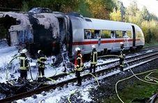 آتش سوزی قطار سریع السیر روی ریل راه آهن!