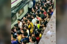 مترو هند شلوغتر و بینظمتر از مترو تهران!