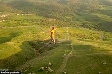 ماجراجویی دلهره آور جوان آلمانی در ارتفاع ۳۲۰ متری!