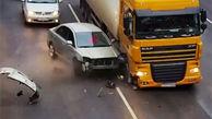 انفجار لاستیک کامیون و آسیب شدید خودروی سواری، عاقبت یک بیاحتیاطی ساده
