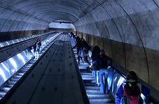 مجروحیت شدید مسافران مترو در اثر نقص ناگهانی پله برقی!