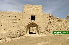 قلعه تاریخی جهان آباد سرخه در سیطره قاچاقچیان