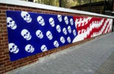 تغییر نقاشیهای روی دیوار سفارت آمریکا در تهران با مضامین نو