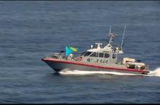 نزدیک شدن قایقهای تندرو ایران به ناو هواپیمابر آمریکایی