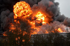 دومین انفجار در تاسیسات پالایشگاهی آمریکا + فیلم