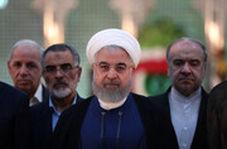 روحانی: امروز روز حمایت مردم از دولت و خدمت بیشتر دولت به مردم است