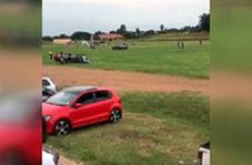 صحنه عجیب در فوتبال آفریقا/ماشینی که فوتبالیست زیر میگیرد